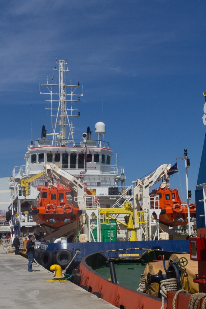 MOAS and tug boat